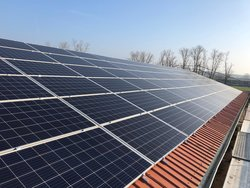 PV Dachanlage in Sachsen-Anhalt<br /> © enen endless energy