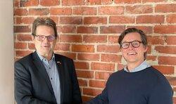 links Hans-Heinrich Andresen (WEB Andresen GmbH), rechts Torsten Levsen (Denker & Wulf AG)<br /> © Denker & Wulf AG