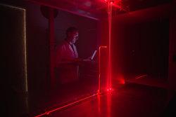Untersuchung eines Prandtl Rohrs (Pitot Tube) im Windkanal, mittels Laser Doppler Anemometer (LDA) der PTB.<br /> © Deutsche WindGuard Wind Tunnel Services GmbH