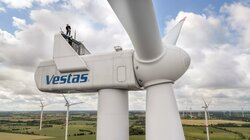 EWE Erneuerbare Energien GmbH rüstet über 100 Anlagen unterschiedlichster Turbinentypen mit dem BNK-System der Deutschen Windtechnik nach, darunter auch Typ Vestas V112.<br /> ©  Deutsche Windtechnik AG