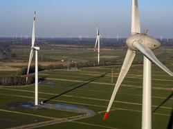 Im Windtestfeld-Nord bei Husum wird bedarfsgesteuerte Nachbefeuerung erprobt.<br /> © Birresborn