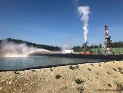 Thermalwasser-Becken in Garching an der Alz nach der Erschließung der ersten Bohrung<br /> © Silenos Energy GmbH