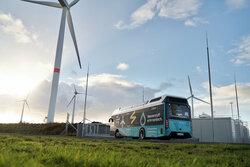 Elektrolyse mit Windstrom für Brennstoffzellen-Busse, hier bei Husum.<br /> © GP Joule