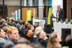Auf der Veranstaltungswoche zur Netzintegration Erneuerbarer Energien werden Vorträge vor Ort sowie digital präsentiert.<br /> © Energynautics GmbH