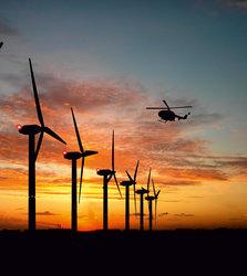 Die Lichter der Windkraftanlagen blinken dank Radartechnik nur noch, wenn sich ein Luftfahrzeug nähert.<br /> © Dark Sky GmbH