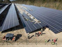 Der größte Solarpark Deutschlands in der Fertigstellung<br /> © GP JOULE/ Fotograf Jörn Lehman