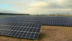 Der von der juwi-Gruppe außerhalb der EEG-Regelungen geplant und gebaute Solarpark Metzdorf II (Brandenburg)<br /> © juwi AG