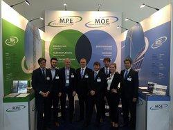 Das M.O.E. Messeteam auf der WindEnergy 2018 informiert sie gerne über die neuen VDE-Netzanschlussregeln.<br /> © M.O.E. (Moeller Operating Engineering GmbH)
