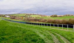 In Zukunft sollen die Agro-Photovoltaikanlagen den Eigenverbrauch der Landwirte decken.<br /> © Next2Sun GmbH