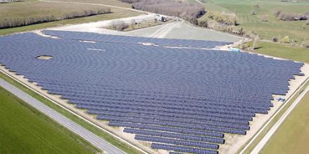 Frankreich: Erster Solarpark der Energiequelle GmbH geht in Betrieb