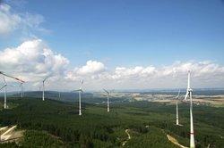 THEE erweitert ihr Erzeugungsportfolio. Im Bild Bestands-Windpark Kandrich<br /> © Schulte / THEE
