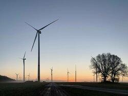 Die zwölf Windenergieanlagen mit einer Gesamtleistung von 43,2 Megawatt versorgen mehr als 40.000 Haushalte mit grünem Strom.<br /> © UKA