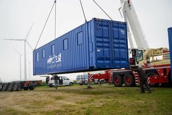 FRT Container Anlieferung<br /> © windtest grevenbroich gmbh (wtg)