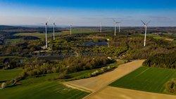 BU: Vorreiterrolle in Rheinland-Pfalz: Im Windpark Morbach wird in den nächsten Wochen das landesweit erste BNK-System in Betrieb genommen.<br /> © wiwi consult GmbH & Co. KG
