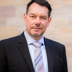 Dr. Wolfgang Bauer<br /> © Enerchange