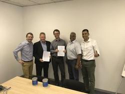 ENERTRAG Vorstand Dr. Gunar Hering bei Vertragsunterzeichnung mit südafrikanischem Partnerunternehmen.<br /> © ENERTRAG AG